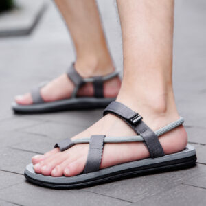 New summer slippers men's hot couple beach shoes Korean version casual two-use men's Vietnamese sandals foreign trade