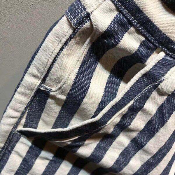 Amey's men's shorts were worn in slim shorts and retro navy blue and white canvas striped five-point trousers